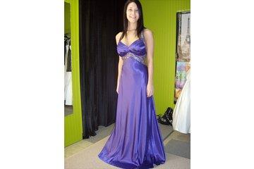 Boutique Création Jessyca Haute Couture à Joliette: superbe robe en satin et dos ouvert