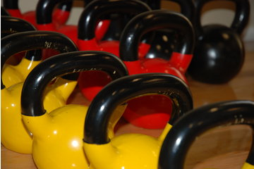 Studio Adonnics à Mont-Royal: Challenging Kettlebell Classes with Certified Instructors