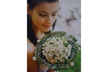 Florist Les Fleurs Kenzo Fleurist Inc à Laval: bride bouquet white